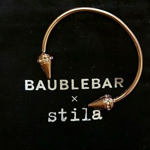 Baublebar x Stila Rose Gold Arrow Bangle